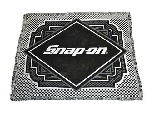 Snap-on(スナップオン)ラグマット「WOVEN THROW」